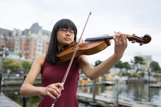 Danielle Tsao, violist and featured soloist for the 29th Victoria Symphony Splash.