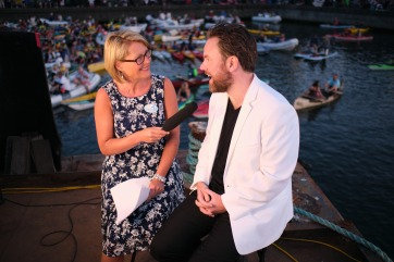 CHEK TV anchor Stacy Ross interviews Christian Kluxen during intermission at the 30th Victoria Symphony Splash.
